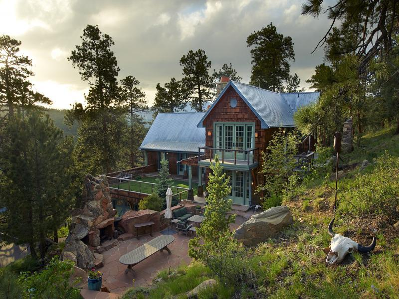 A golden opportunity mountain lifestyle from to for Colorado mountain house