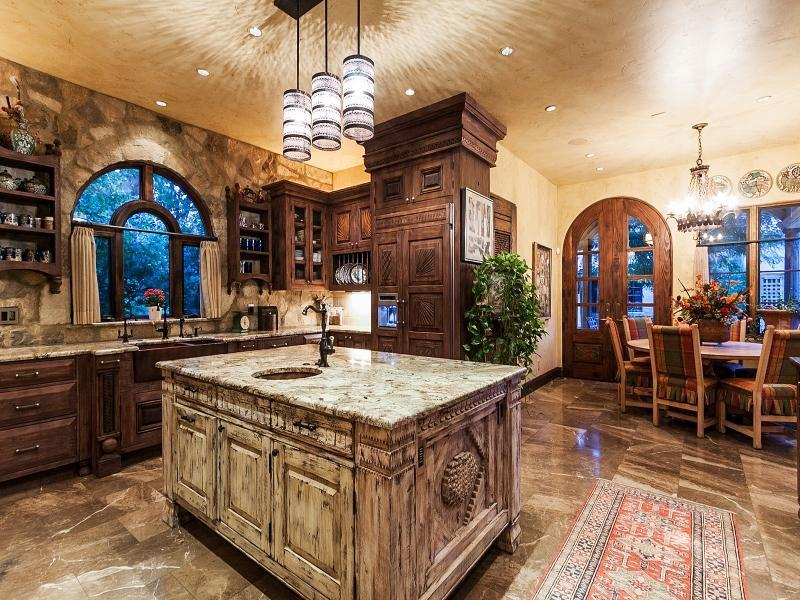 Fuller sotheby 39 s top ranked behr team lists villa soul for Spanish villa interior design