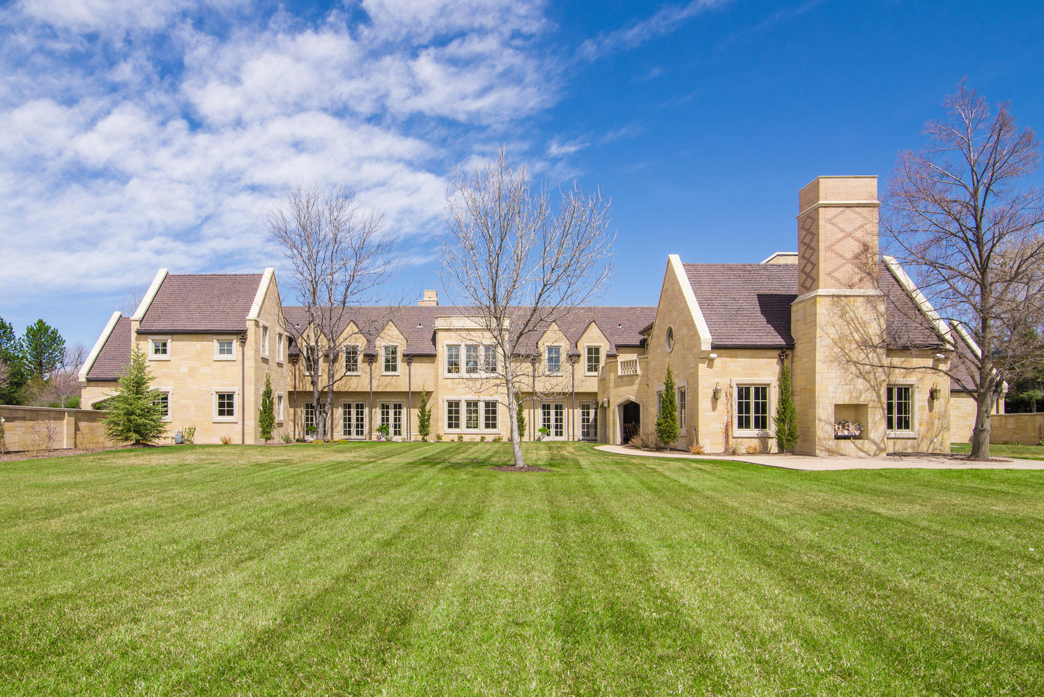Liv Sir Exclusively Lists English Country Manor In Cherry