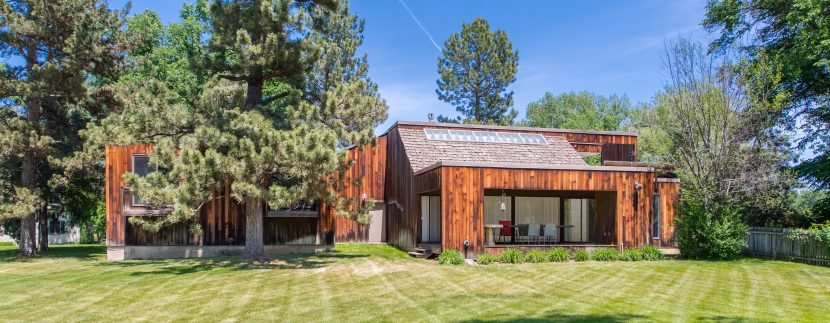 LIV Sotheby's International Realty lists the residence of iconic Mid-Century Modern Architect, William Muchow, for $2M.