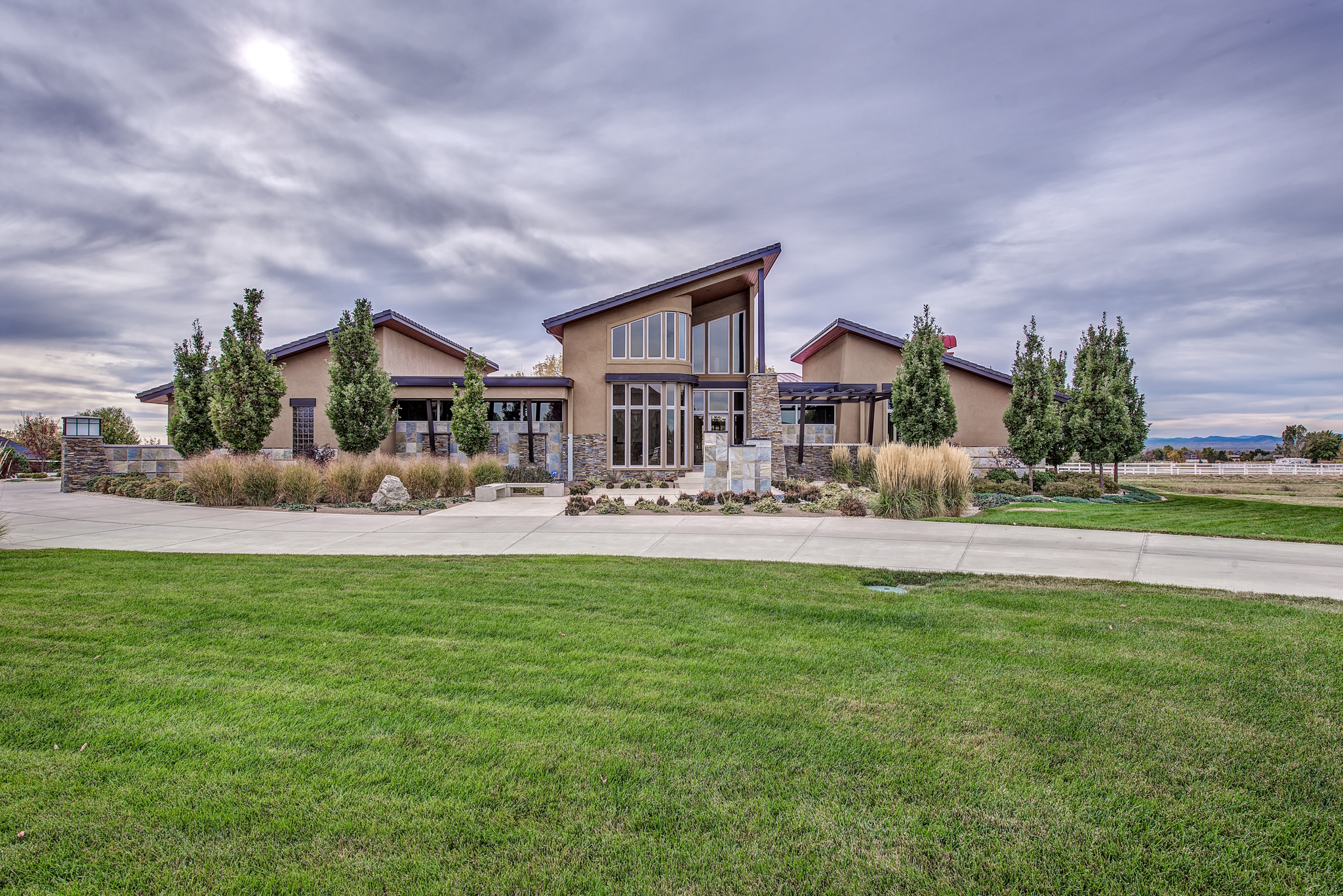 15000 Prairie Place, Broomfield. Sold for $2,100,000 by LIV Sotheby's International Realty's MileHiModern team.