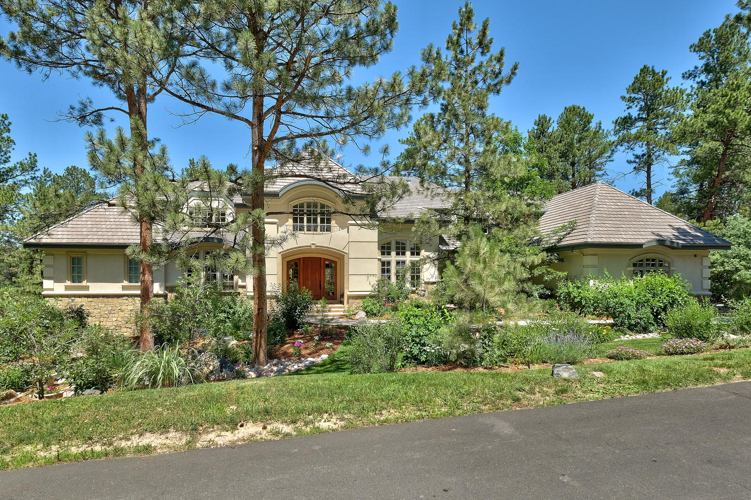 323 Paragon Way, Castle Rock, CO. Listed by LIV Sotheby's International Realty for $2,990,000.