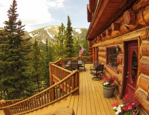 336 Crest Drive, Idaho Springs. Listed by LIV Sotheby's International Realty for $995,000.