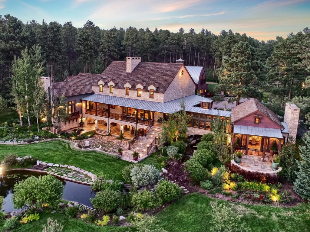 Outstanding Denver Area Brokers Launch Luxury Home Tour Of Colorado Home Interior And Landscaping Pimpapssignezvosmurscom